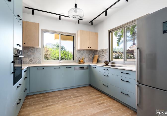 וילה בגן יבנה – המטבח הכחול